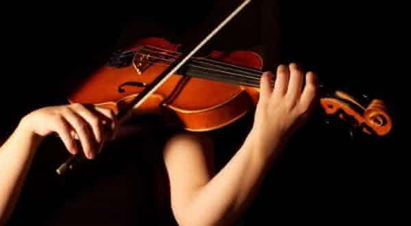 violino entre os instrumentos musicais mais difíceis de aprender a tocar