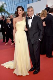 george clooney and amal clooney in atelier versace