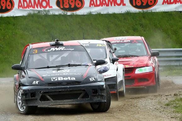 Supercar Action Jürgen Weiss vor Max Pucher und Rene Derfler - Foto: Vogler
