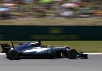 Lewis Hamilton auf dem Weg zum Sieg © Daimler AG