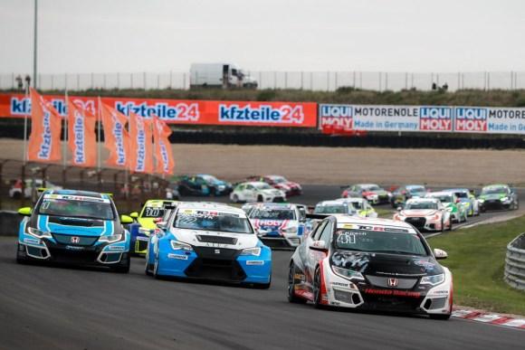 Harald Proczyk noch auf Rang zwei © ADAC Motorsport