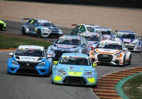 Harald Proczyk im Positionskampf © ADAC Motorsport