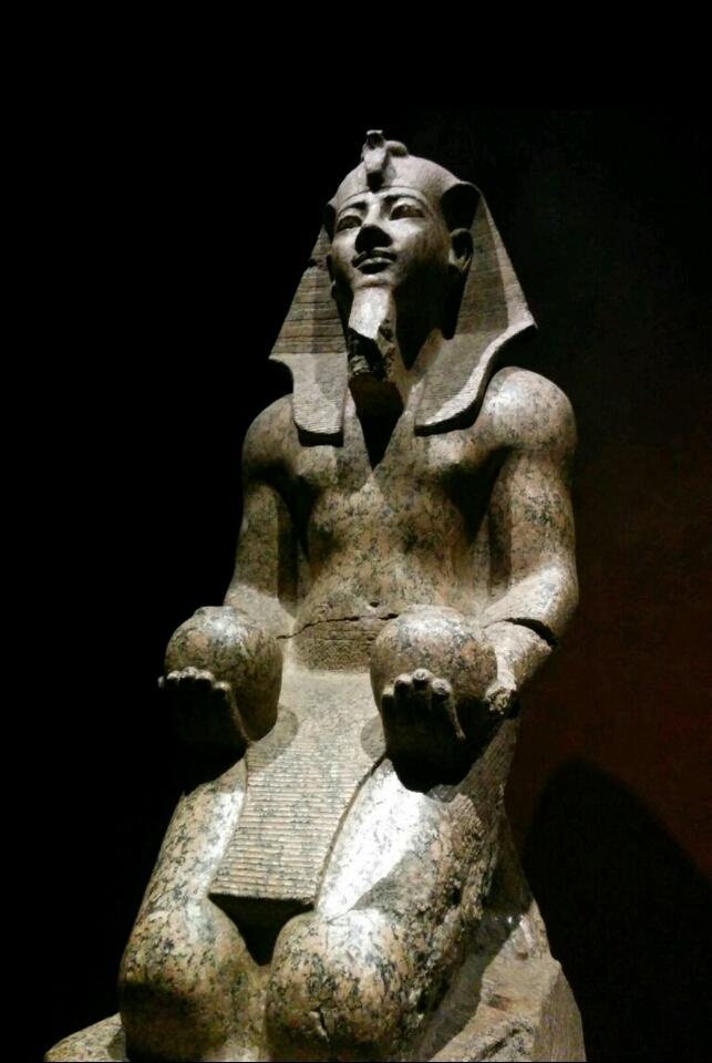 トリノ 古代エジプト博物館「死の書」の42か条とは?