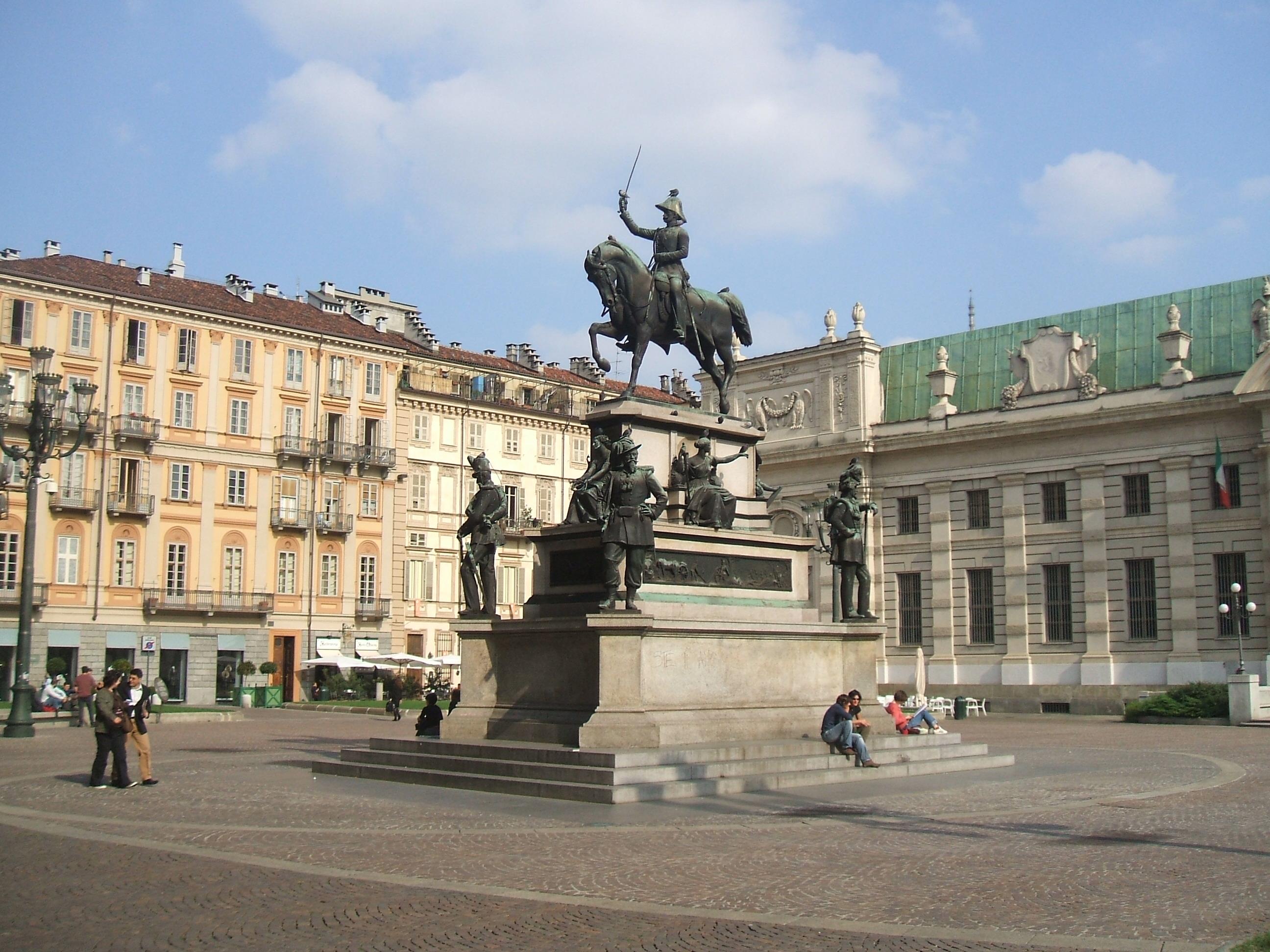 トリノに来たら絶対見ておきたい美しい広場(Piazza)巡り5選