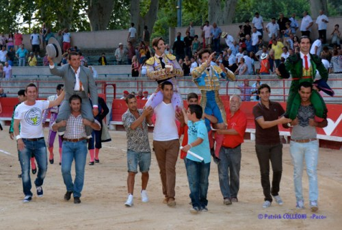Sortie a hombros. Beaucaire 2013