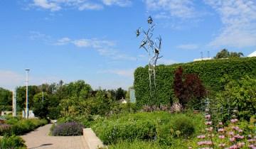 entry garden walk with garden web sculpture-small