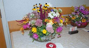Judges from the Ontario Horticultural Association awarded prizes to the top entry in a number of categories, including this winner of Best in Show in flower arrangement. The prizes were handed out at the Scarborough Garden and Horticultural Society's annual flower show on Sept. 11.