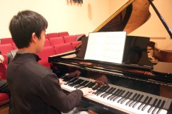 Yiwei Yao effortlessly executes his part in the rendition of Franck's Sonata for Piano and Violin in A Major., during a fundraiser billed as Six Stars of Tomorrow