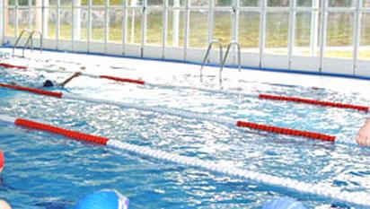 Incidente en la piscina del colegio los sauces de for Piscina torrelodones