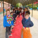 Pasillo y alfombra roja para Mª Carmen