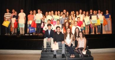 Torrent entrega los premios al mejor rendimiento académico