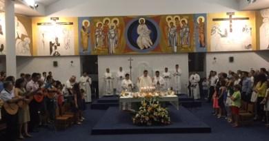 El joven torrentino, Pablo Rubio celebra su primera Eucaristía tras su ordenación sacerdotal