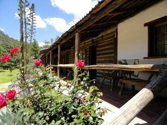 sierra-lodge-hotel