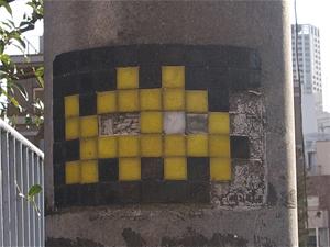 電柱のインベーダー