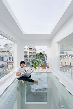 sou fujimoto house h another glass floor