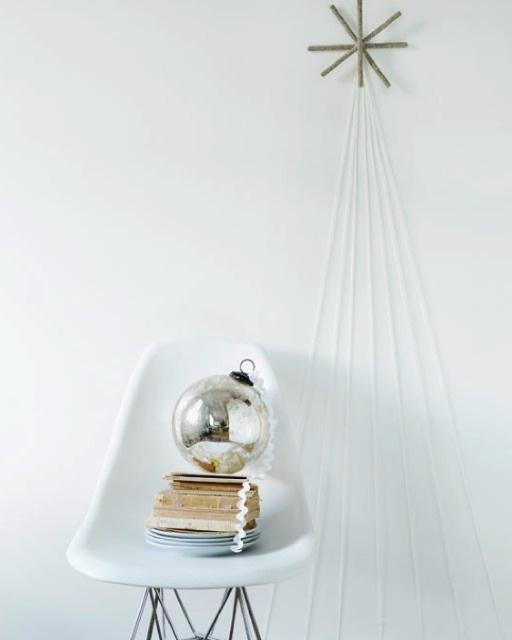 43 sweepaulmag.com minimalisticky stromcek