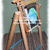How to build an upcycled loom and stand from recycled stuff