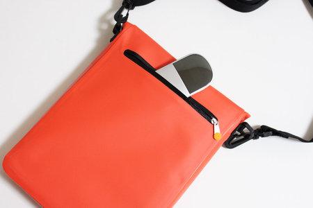 simplism_outdoor_bag_for_ipad_5.jpg