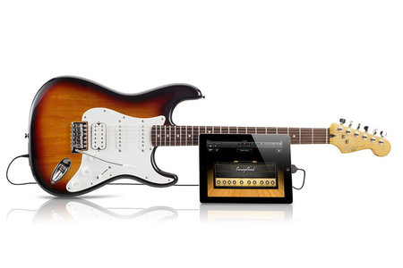 fender_squire_stratocaster_iphone_0.jpg