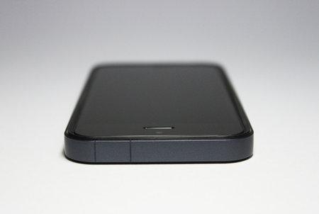 flat_bumper_for_iphone5_6.jpg