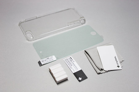 simplism_crystal_cover_set_ipod_touch_5th_2.jpg