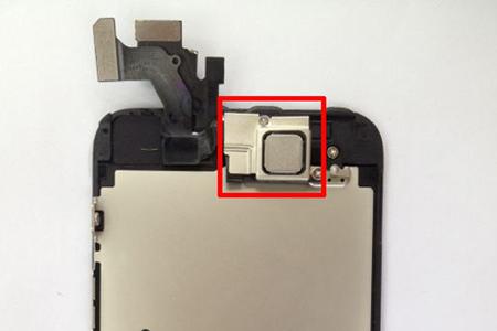iphone5_nfc_chip_installed_0.jpg