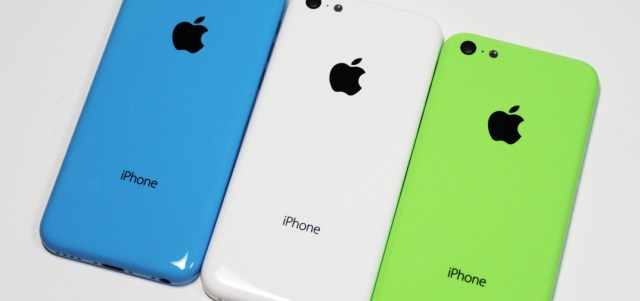 iphone5c_backpanels_blue_white_green_0