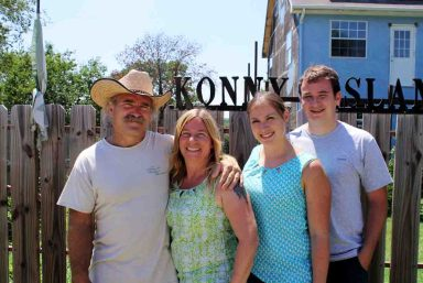 Die Familie Reimann, v.l.n.r.: Konny, Manu, Janina und Jason / © RTL II