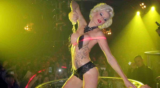 Erotikstar Melanie Müller während einer Show. © RTL II