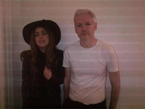 Gaga_assange
