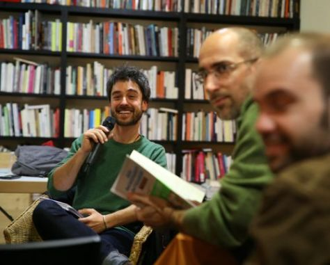 Presenting the book at the Central Library of Barcelona. Photo: Juan del Rio
