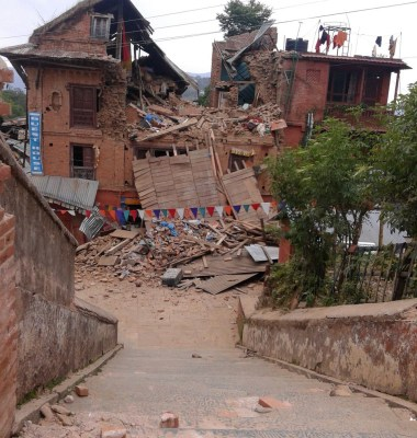 Nepal-Eartquake-picture-village-damage