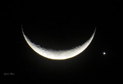 Você já viu a lua sorrindo?