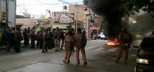 Protesta inspectores de transito de la Municipalidad de Cordoba