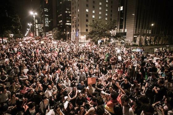 Marcha contra o projeto da Cura Gay ocupa a Av. Paulista. FOTO: Mídia NINJA