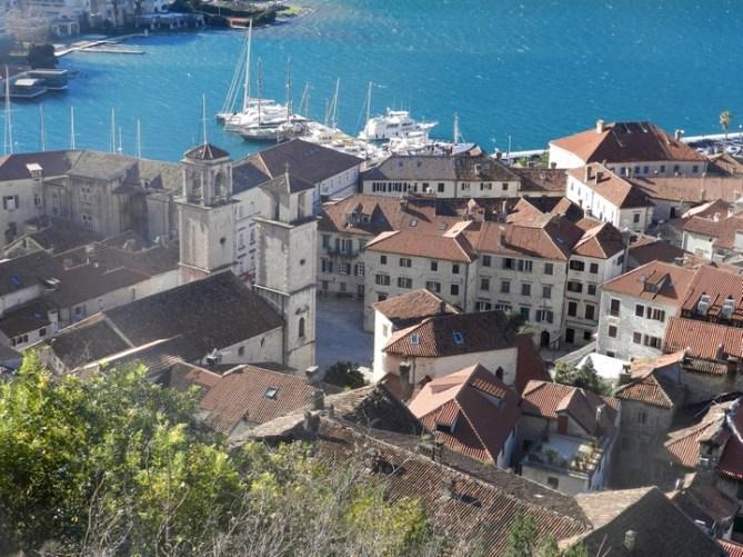Что посетить в Черногории: Вид на Котор и Которский залив