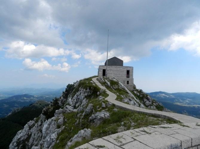 Отдых и путешествия в Черногории: Ловчен