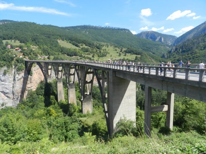 Достопримечательности Черногории: Мост Джурждевича на Таре