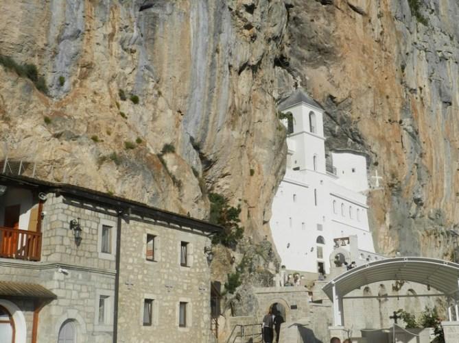 Путешествие и отдых в Черногории: Монастырь Острог