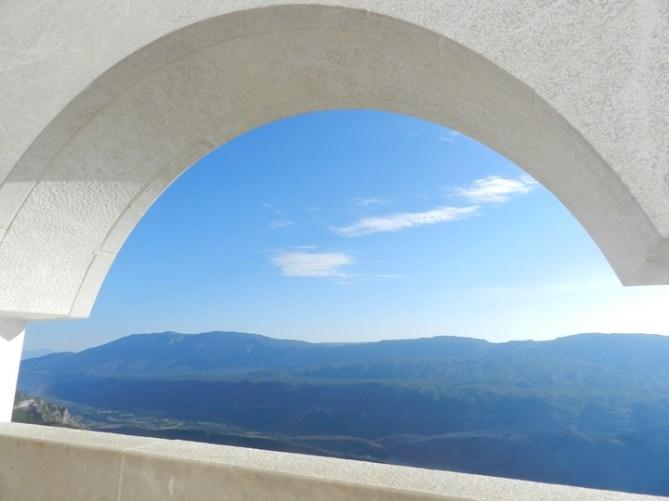 Путешествие и отдых в Черногории: Монастырь Острога