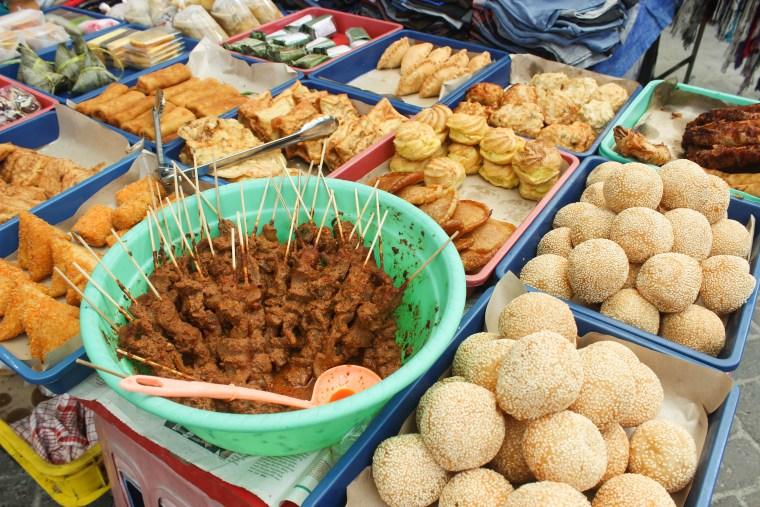 9 Fun & Weird Things to do in Jakarta - Travel Lush