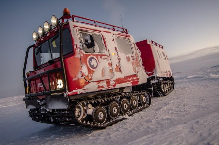 PistenBully on the ice shelf