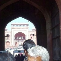 A Smart Guide can give you quick access to Taj Mahal