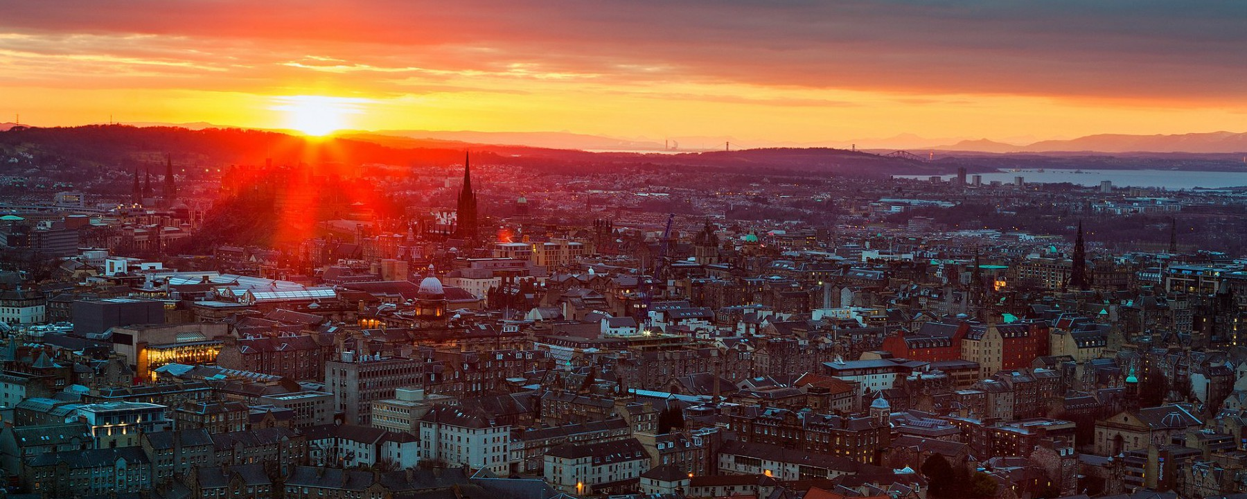 Cities_Sunset_in_Edinburgh__Scotland_096196_