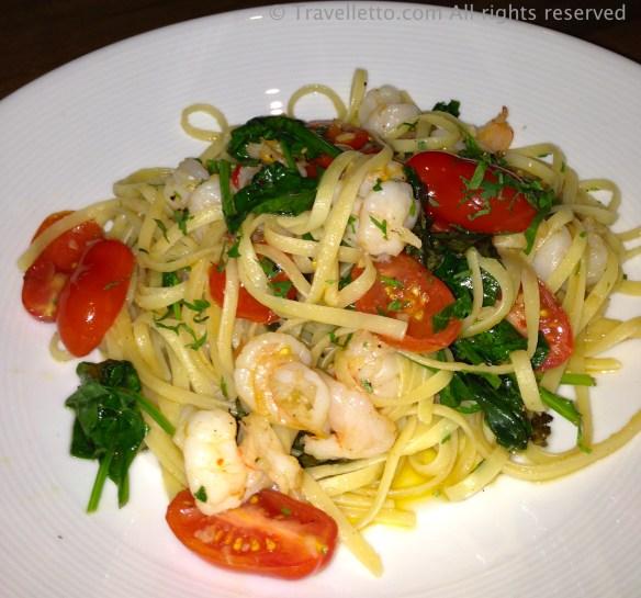 Linguine with prawns, tomato, spinach, basil and garlic