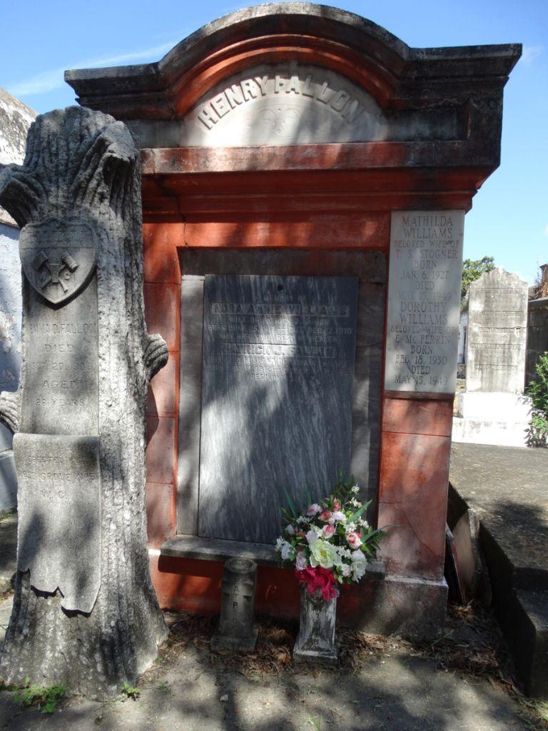Grab Lafayette Cemetery No.1