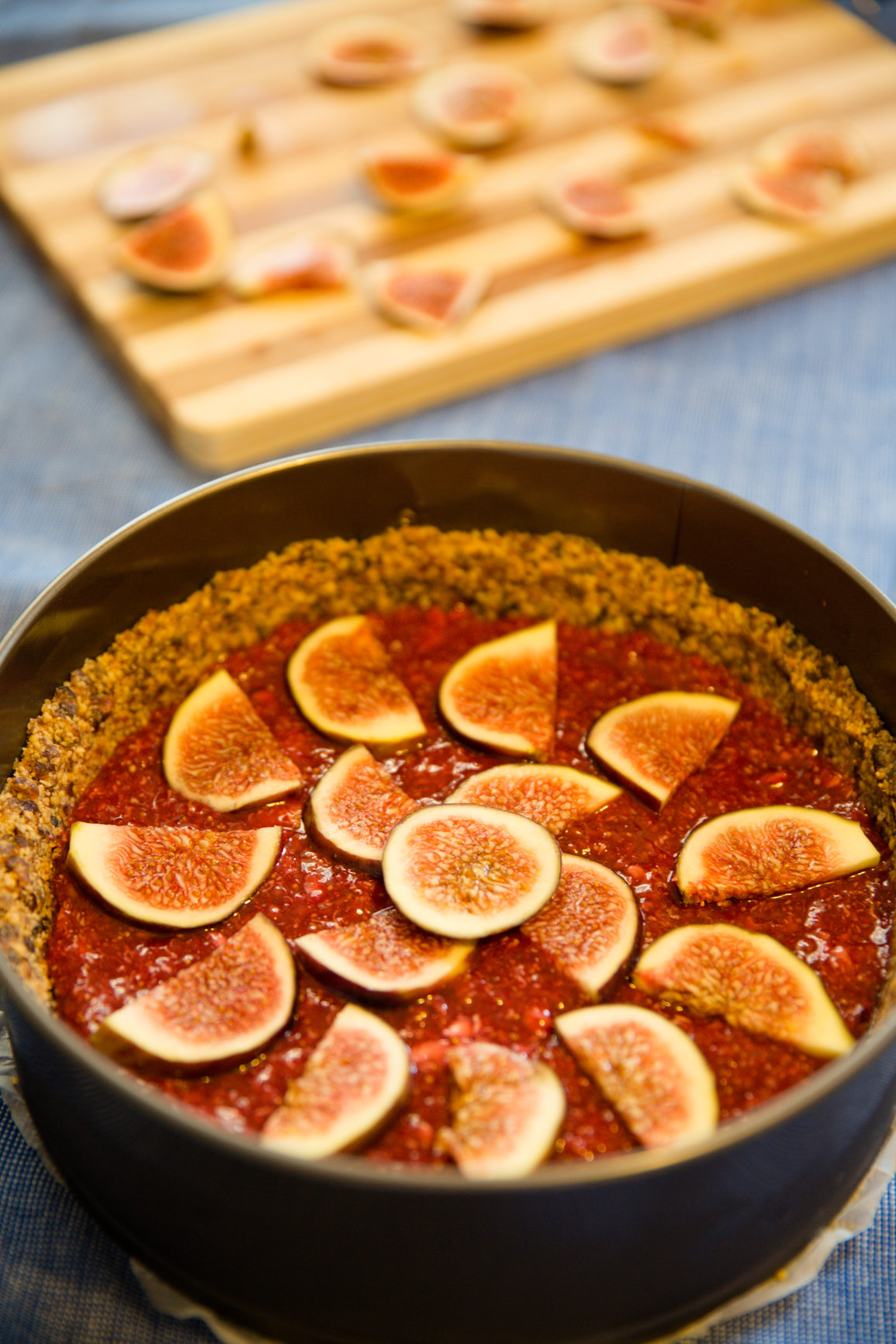 Raw fig raspberry vegan tart recipe raw fig raspberry vegan tart recipe the filling for this dish is best assembled the night before and left to develop its flavors overnight forumfinder Choice Image