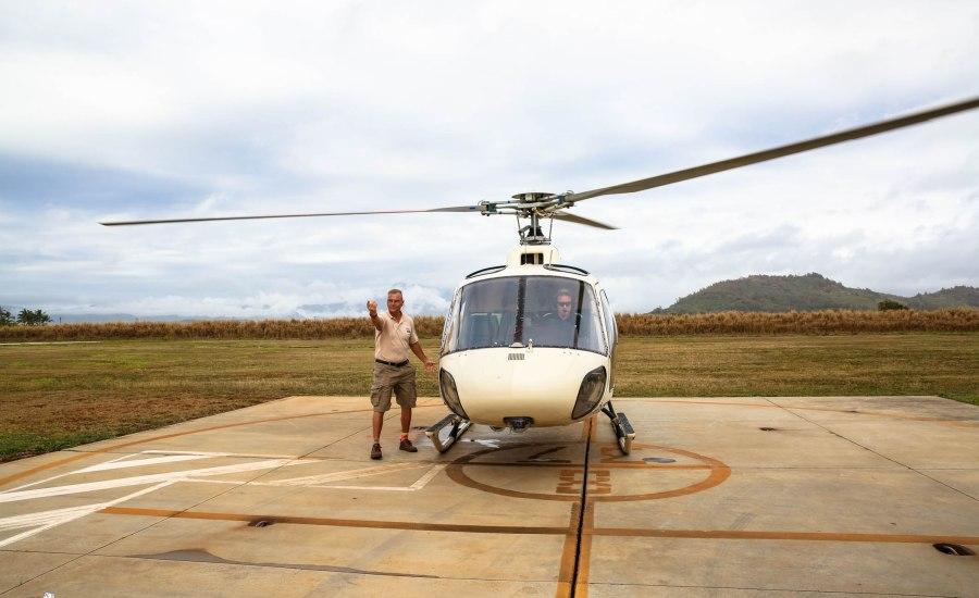 Safari Helicopter Tour Kauai-Mica Ivealis TTE-2