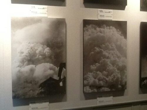 The explotion caused by the bomb from Enola Gay