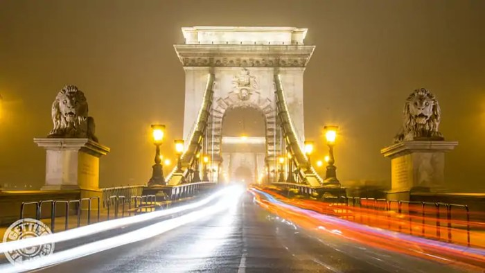 Budapest-Chain-Bridge-Night-Lights-1-2